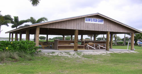 Lake okeechobee pavilion at slims fish camp for Lake okeechobee fish camps